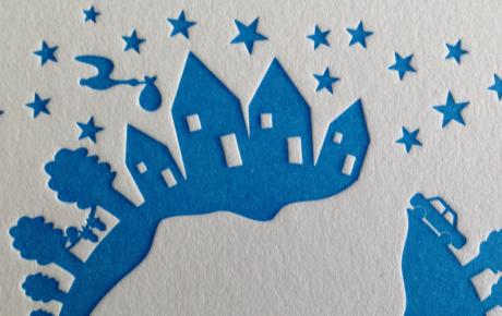 letterpress geboortekaartje wereld met huisjes en bomen