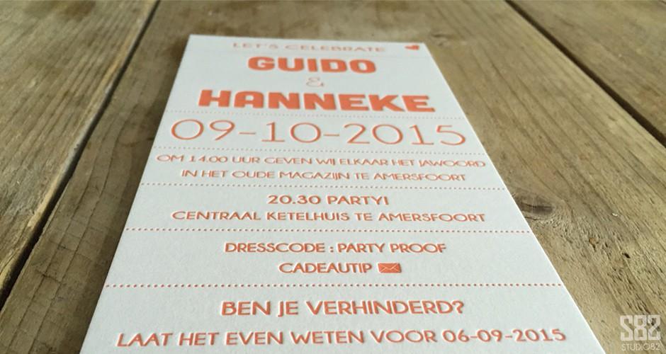 studio 82 letterpress trouwkaart oranje snor lippen en hartje